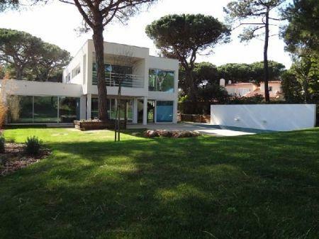 Image 1, 3 Bedroomed Villa : AV998