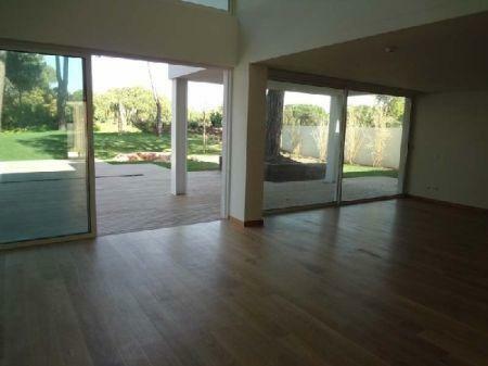 Image 3, 3 Bedroomed Villa : AV998