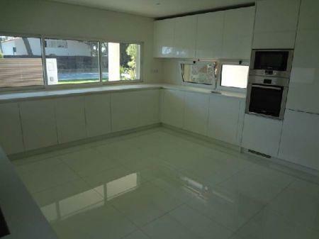 Image 5, 3 Bedroomed Villa : AV998