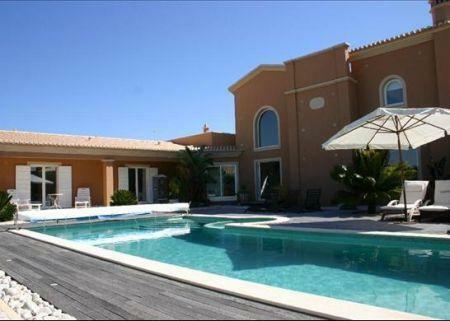 Image 2, 8 Bedroomed Villa : GV186