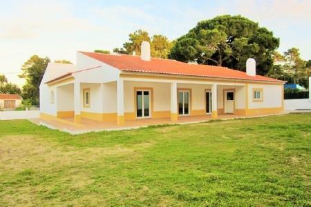 Image 1, 4 Bedroomed Villa : AV1094