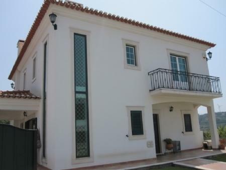 Image 1, 4 Bedroomed Villa : AV1082