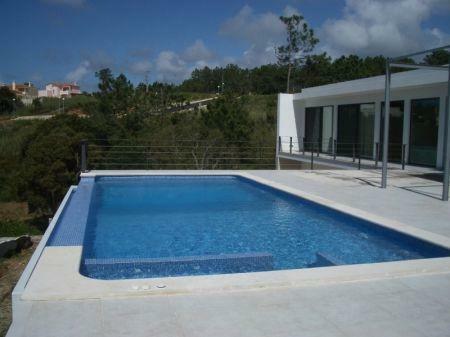 Image 1, 4 Bedroomed Villa : AV1061