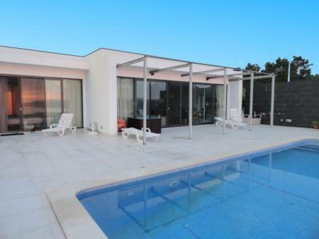 Image 3, 4 Bedroomed Villa : AV1061