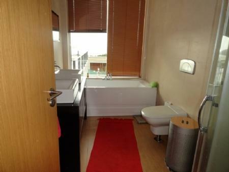 Image 26, 4 Bedroomed Villa : AV1061