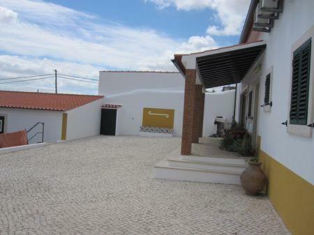 Image 3, 2 Bedroomed Villa : AV1099