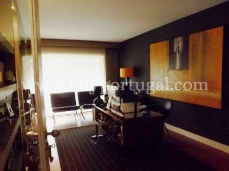 Image 9, 4 Bedroomed Apartment : AA191