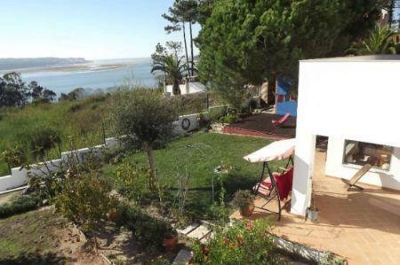 Image 4, 4 Bedroomed Villa : AV1145
