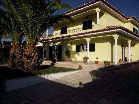 Image 1, 4 Bedroomed Villa : AV1132