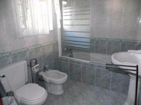 Image 8, 4 Bedroomed Villa : AV1132