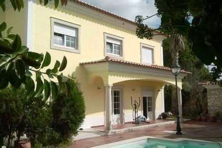 Image 1, 4 Bedroomed Villa : AV1136