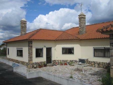 Image 1, 4 Bedroomed Villa : AV1174