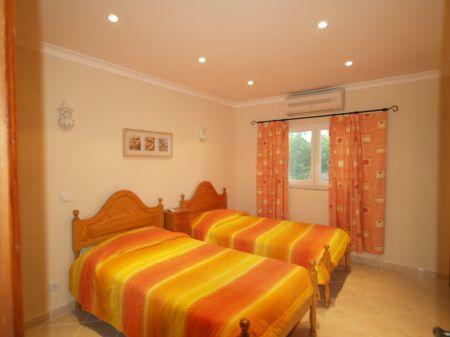 Image 14, 5 Bedroomed Villa : DV1553