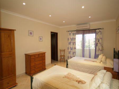 Image 16, 5 Bedroomed Villa : DV1553