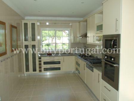 Image 2, 4 Bedroomed Villa : DV4354