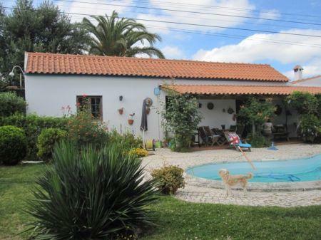 Image 1, 3 Bedroomed Villa : AV1204