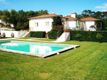 Image 1, 8 Bedroomed Villa : AV1184