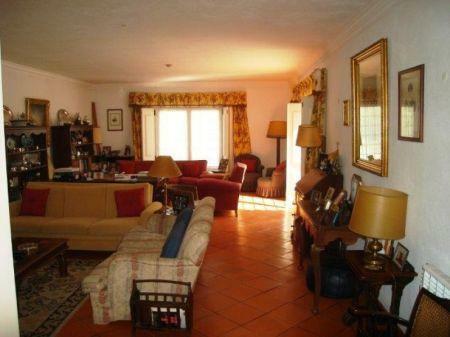 Image 12, 8 Bedroomed Villa : AV1184