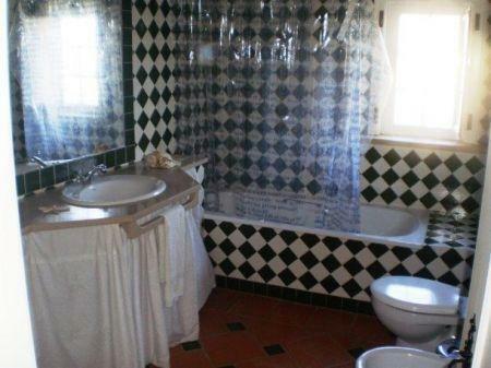 Image 26, 8 Bedroomed Villa : AV1184