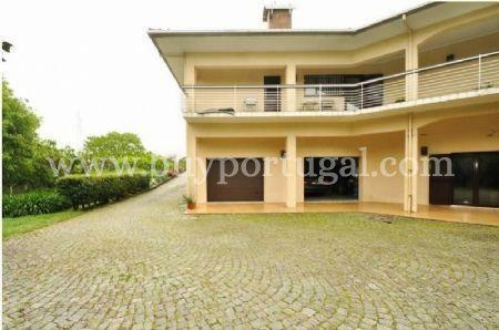 Image 6, 6 Bedroomed House : AV1243