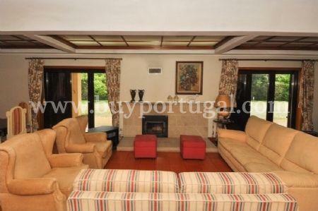 Image 2, 6 Bedroomed House : AV1243