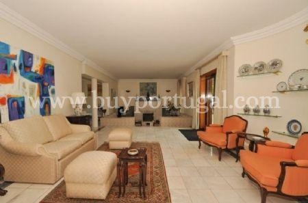 Image 4, 6 Bedroomed House : AV1243