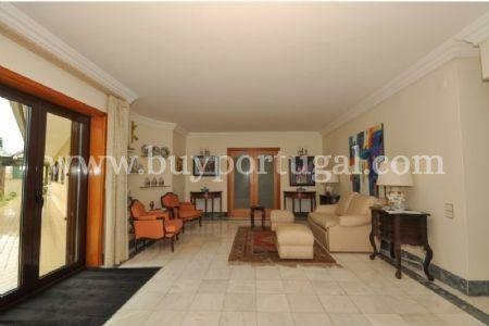 Image 11, 6 Bedroomed House : AV1243