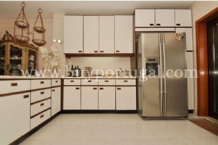 Image 12, 6 Bedroomed House : AV1243