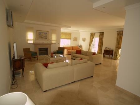 Image 3, 4 Bedroomed Villa : DV5282