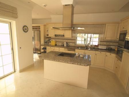 Image 4, 4 Bedroomed Villa : DV5282