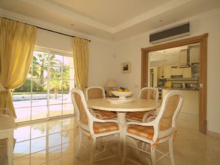 Image 7, 4 Bedroomed Villa : DV5282