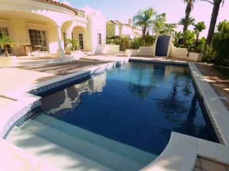 Image 8, 4 Bedroomed Villa : DV5282