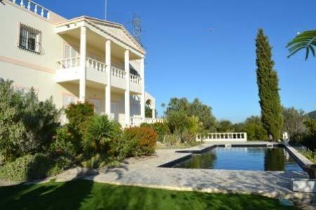 Image 2, 4 Bedroomed Villa : KV3574565
