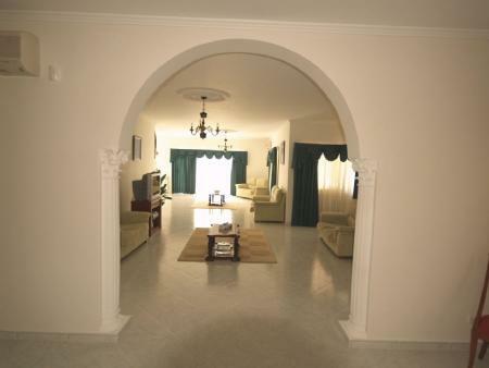 Image 6, 5 Bedroomed Villa : DV976