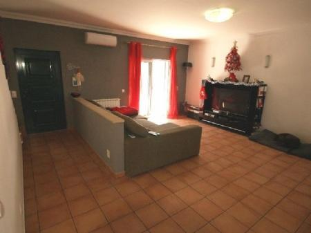 Image 3, 3 Bedroomed Townhouse : DV5971