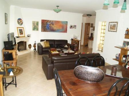 Image 3, 3 Bedroomed Townhouse : DV5082
