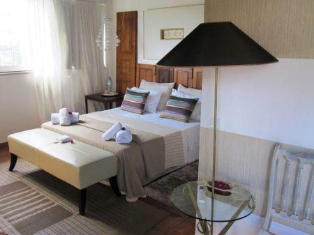 Image 9, 10 Bedroomed House : AV1228