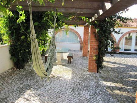 Image 24, 10 Bedroomed House : AV1228
