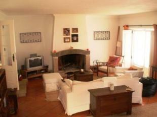 Image 4, 8 Bedroomed Villa : AV1184