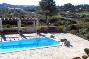 Image 2, 4 Bedroomed Villa : AV1189