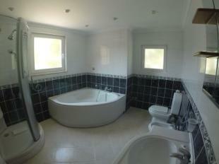 Image 6, 5 Bedroomed Villa : DV1553