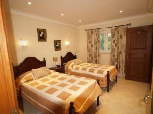 Image 12, 5 Bedroomed Villa : DV1553