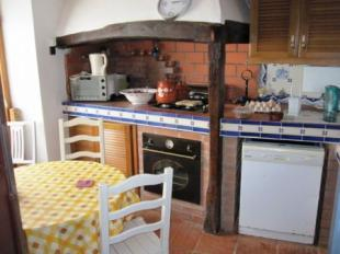 Image 16, 10 Bedroomed House : AV1228