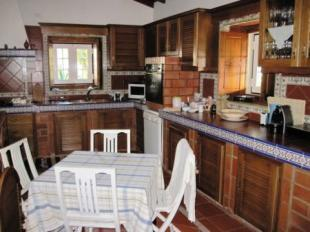 Image 27, 10 Bedroomed House : AV1228
