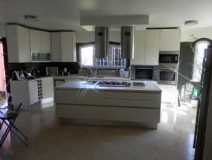 Image 3, 5 Bedroomed Villa : AV1295