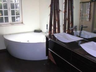 Image 6, 4 Bedroomed Villa : AV1296