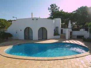 Image 1, 3 Bedroomed Villa : DV833