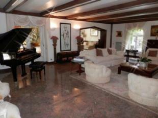 Image 6, 6 Bedroomed Villa : AV1357