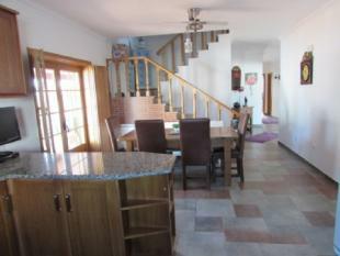 Image 8, 4 Bedroomed Villa : AV820