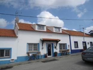 Image 1, 8 Bedroomed House : AV1382